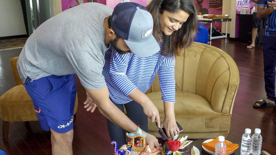 ajinkya rahane celebrate wife radhika dhopavkar birthday