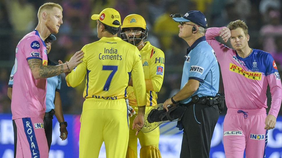 IPL 2019: अंपायर से बहसबाजी का मामला, सहवाग बोले- धोनी पर 2-3 मैच का बैन लगना चाहिए