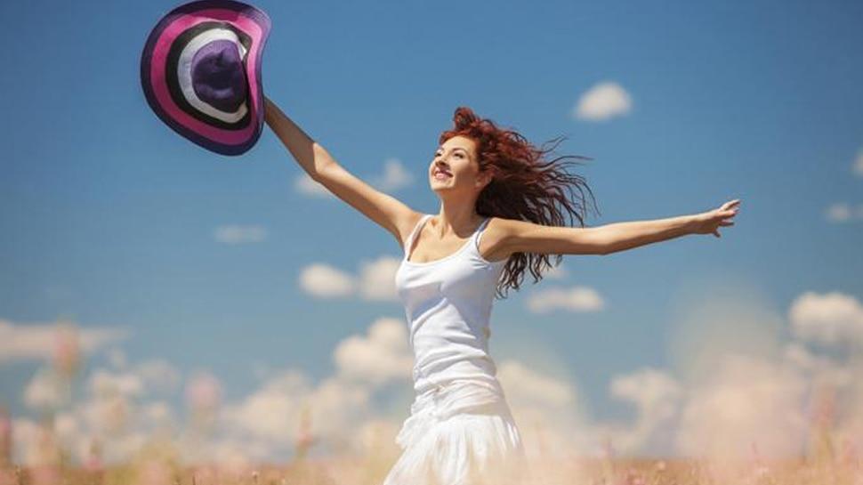 लोगों को खुशहाल और अच्छा महसूस कराती है मुस्कुराहटः Research