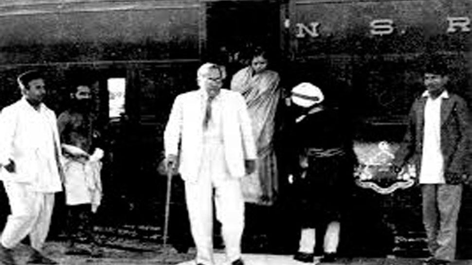 दलितों को समान अधिकार देने के लिए लागू हुआ था आरक्षण, राजनीति में बना सियासी मुद्दा