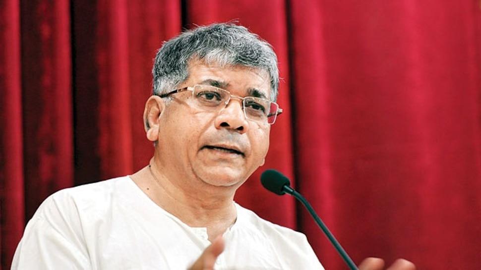लोकसभा चुनाव 2019: अकोला में प्रकाश अंबेडकर भेद पाएंगे BJP का किला! त्रिकोणीय है मुकाबला