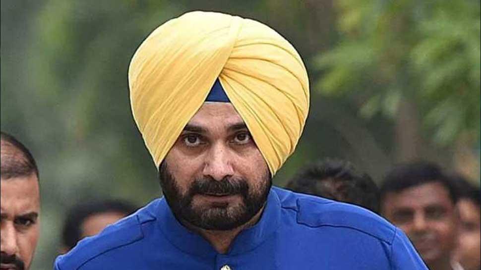 विवादास्पद टिप्पणी को लेकर नवजोत सिंह सिद्धू के खिलाफ दर्ज हुई FIR