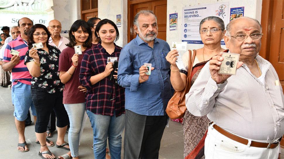 लोकसभा चुनाव 2019: दूसरे दौर में शाम पांच बजे तक हुआ 61% से अधिक मतदान