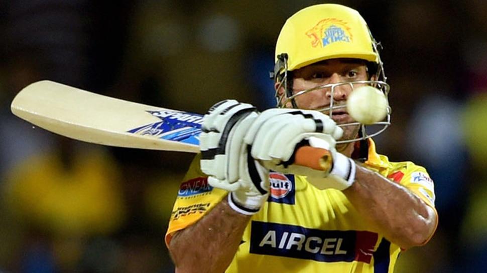 धोनी की चोट ने बढ़ाई भारतीय टीम की टेंशन, वर्ल्ड कप में खेलने पर बना सस्पेंस
