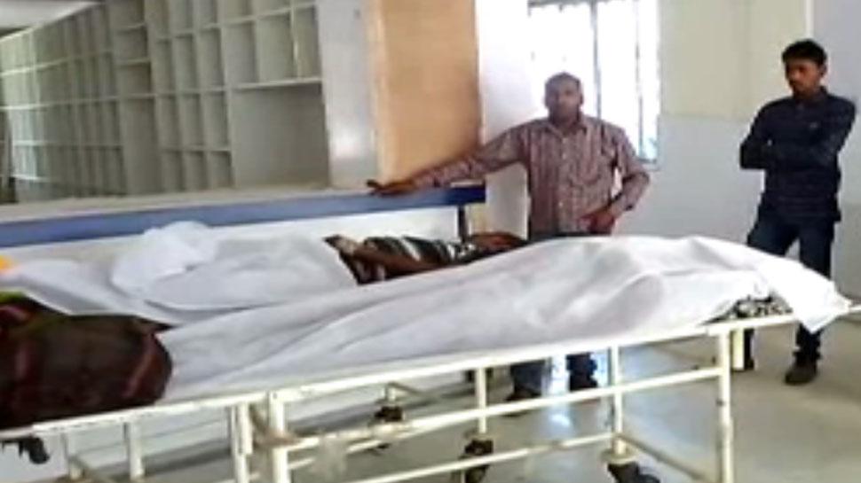 गुमलाः सड़क हादसे में दो लोगों की मौत, एक ही परिवार के 12 लोग थे ऑटो में सवार