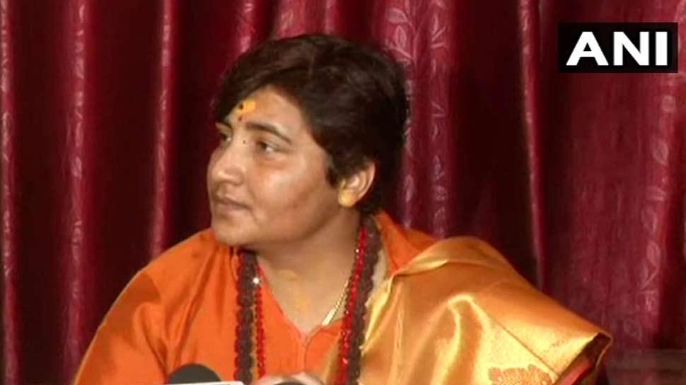 साध्वी प्रज्ञा पर भड़कीं फराह खान, बोलीं- 'राम के नाम को बदनाम न करें'