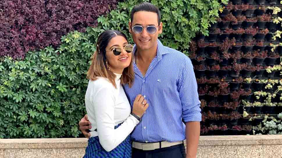anam mirza who sister of sania mirza spotted with Asad Azharuddin