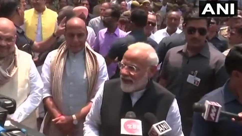 नामांकन के बाद बोले PM मोदी, 'भारत के उज्जवल भविष्य के लिए संकल्पबद्ध हैं काशीवासी'