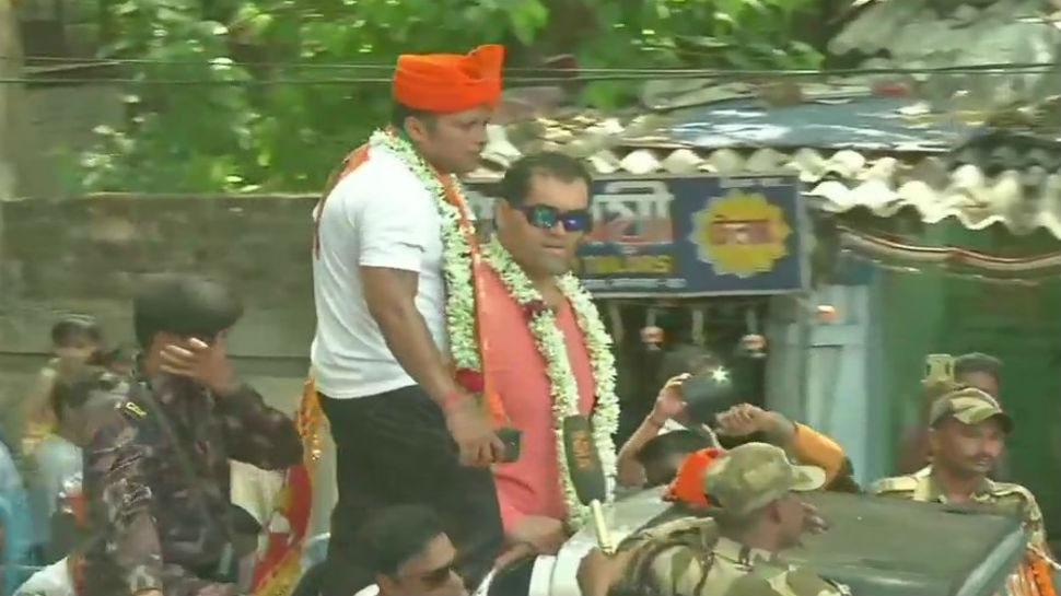 WWE कुश्ती के भारत के पहले चैंपियन 'द ग्रेट खली' ने BJP से लड़ रहे 'भाई' के लिए मांगा वोट