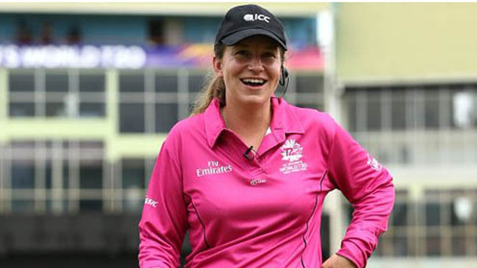 पुरुष क्रिकेट में महिला अंपायर की एंट्री, जानिए किसे मिला इंटरनेशनल मैच में यह मौका