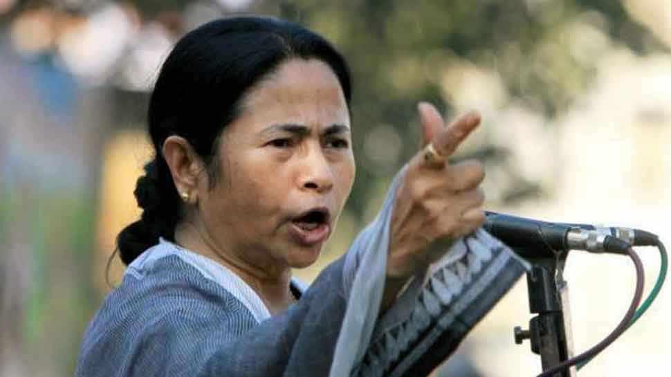 ममता बनर्जी ने 440 वोल्ट करंट से की BJP की तुलना, कहा- देश के लिए है खतरा