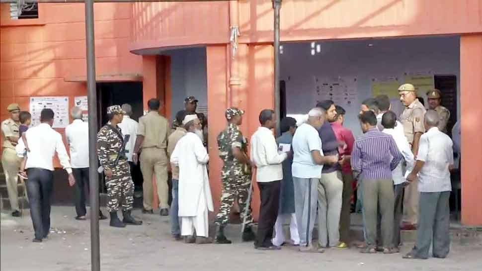 कन्नौज: वोटिंग से पहले घरों में कैद किए गए सपा नेता, पार्टी चुनाव आयोग से करेगी शिकायत