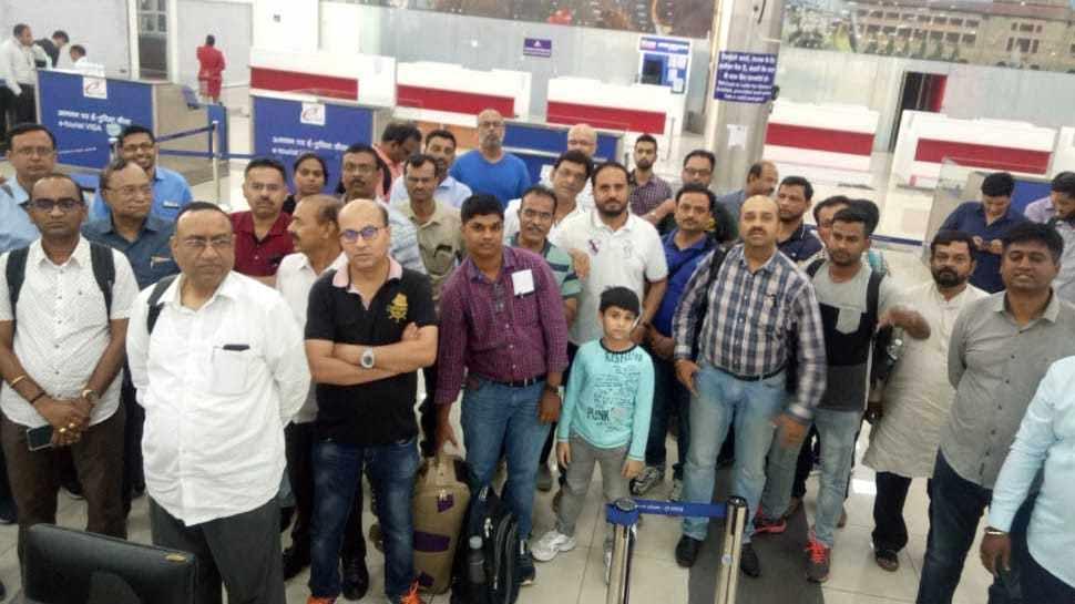 Spice Jet की फ्लाइट में खराबी, दुबई जाने वाले 180 यात्री पुणे एयरपोर्ट पर अटके