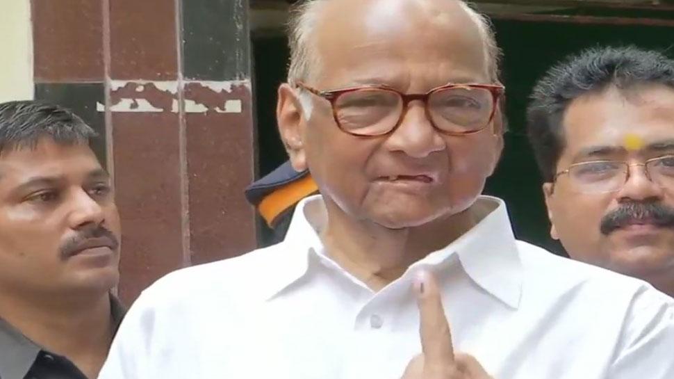 शरद पवार ने मतदान कर लोगों से किया स्थिर सरकार चुनने का अनुरोध
