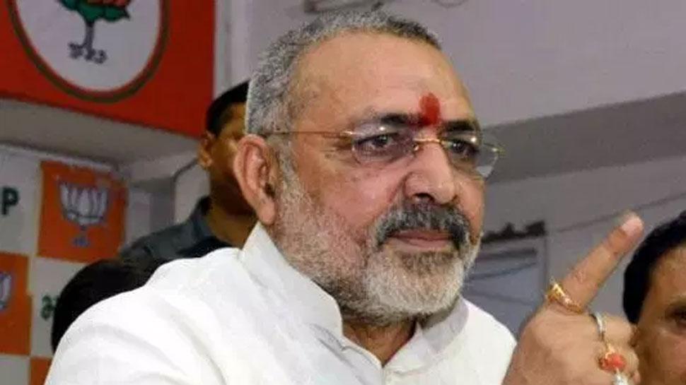 विवादित बयान में फिर फंसे गिरिराज सिंह, चुनाव आयोग ने नोटिस भेज मांगा जवाब