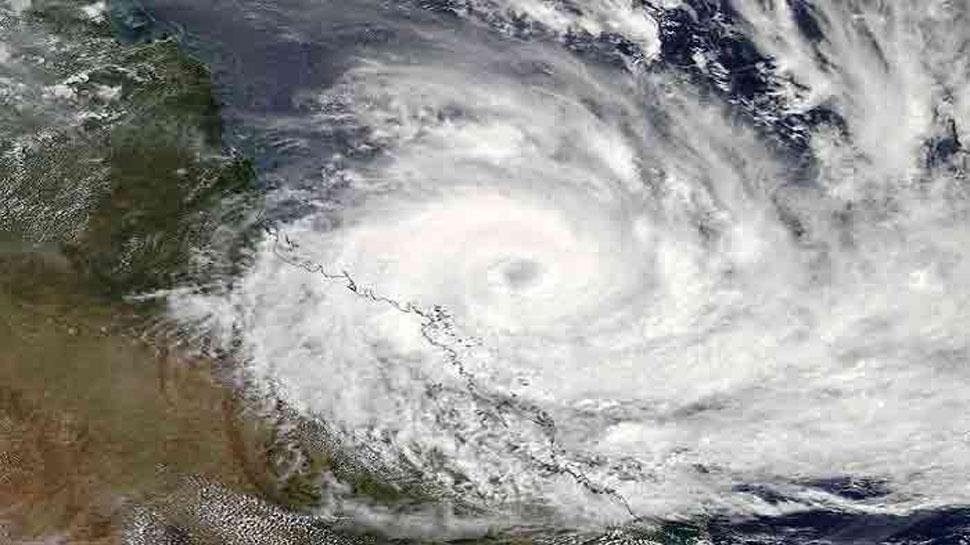 अगले 24 घंटों में तबाही मचा सकता है फेनी तूफान, ओडिशा में कर्मचारियों की छुट्टियां रद्द