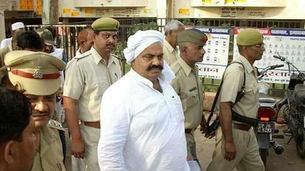 बाहुबली अतीक अहमद ने कराया नामांकन, पीएम मोदी के खिलाफ जेल में रहकर लड़ेंगे चुनाव