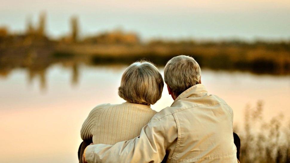पत्नी की बातों से परेशान पति ने अपनाया अनोखा तरीका, 62 सालों तक बना रहा गूंगा-बहरा