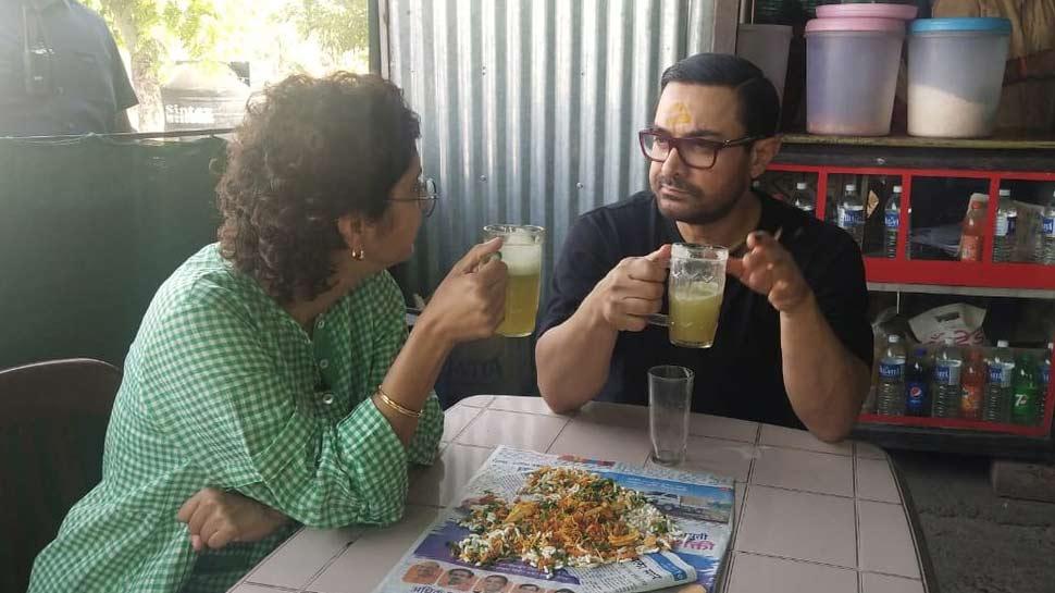 Video: आमिर खान ने पत्नी के साथ दिया 'श्रमदान', ढाबे में लिया भेलपूरी और गन्ने के जूस का मजा