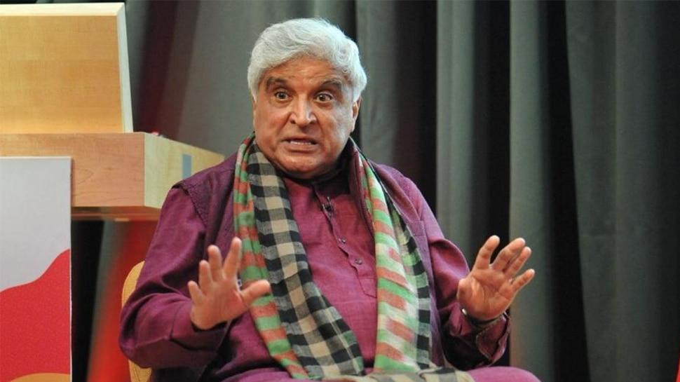 जावेद अख्तर का विवादित बयान, कहा- बुर्के के साथ राजस्थान में घूंघट पर भी लगे प्रतिबंध