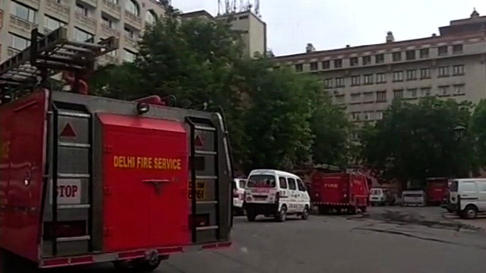 दिल्ली फायर सर्विस की होटलों, सार्वजनिक इमारतों से अपील, 2 हफ्तों में हटाएं ज्वलनशील सामग्री
