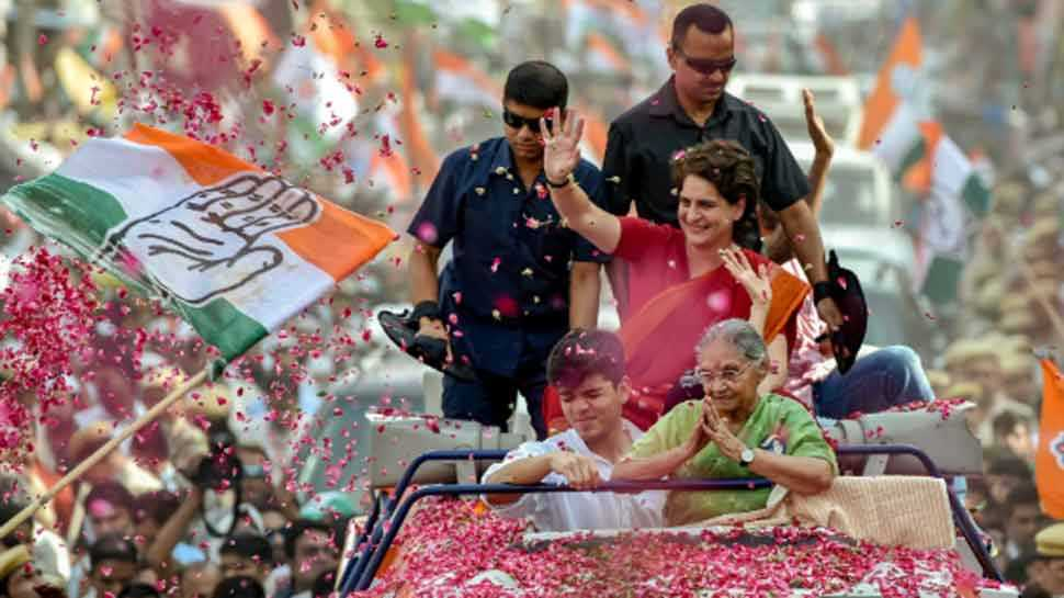 लोकसभा चुनाव 2019: दिल्ली के रोड शो में लोगों को प्रियंका में दिखी दादी इंदिरा गांधी की झलक