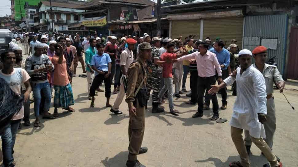 असम में सांप्रदायिक हिंसा: सड़क पर नमाज पढ़ने को लेकर शुरू हुआ विवाद, हैलाकांडी शहर में कर्फ्यू
