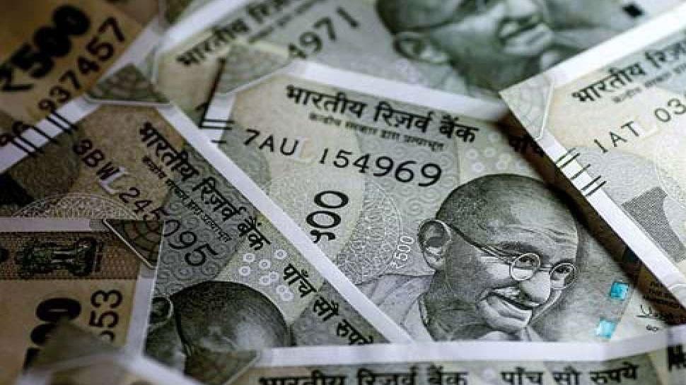 चेकिंग में पुलिस को कार से मिले 7 लाख 95 हजार रुपये, चालक नहीं दे पाया रुपयों का हिसाब