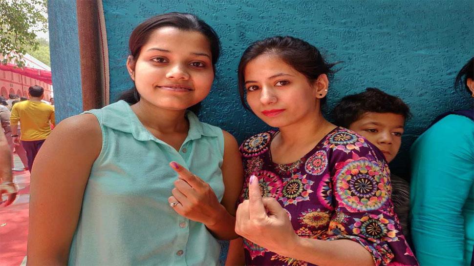 दिल्ली में बीजेपी, आप और कांग्रेस में त्रिकोणीय मुकाबला, 2014 से इस बार कम हुआ मतदान
