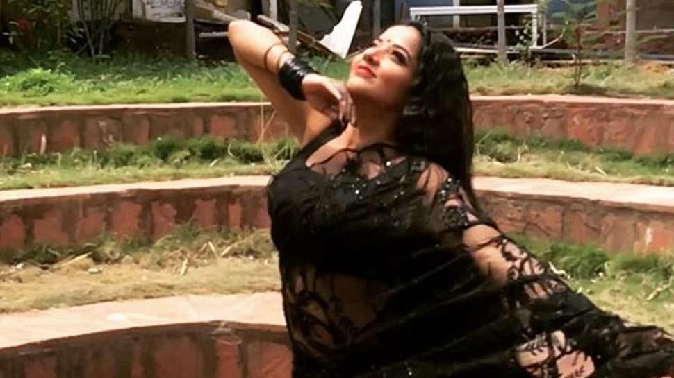 Video : सलमान के रोमांटिक सॉन्ग 'चाशनी' पर झूमकर नाचीं मोनालिसा, फैंस बोले- 'कैटरीना भी फेल...'
