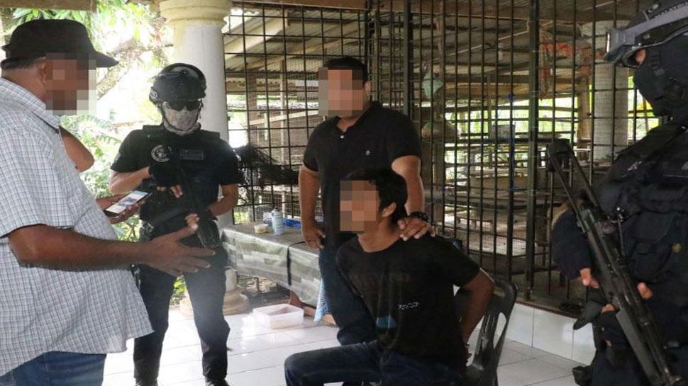 मलेशिया: पुलिस ने 4 आतंकवादियों को किया गिरफ्तार, प्रार्थना स्थलों पर हमला करने की थी साजिश