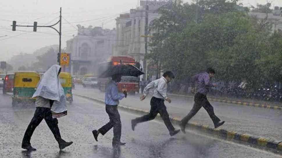 आज ही नहीं अगले तीन दिन तक दिल्ली-NCR में होगी तेज बारिश, जानिए मौसम का LIVE अपडेट