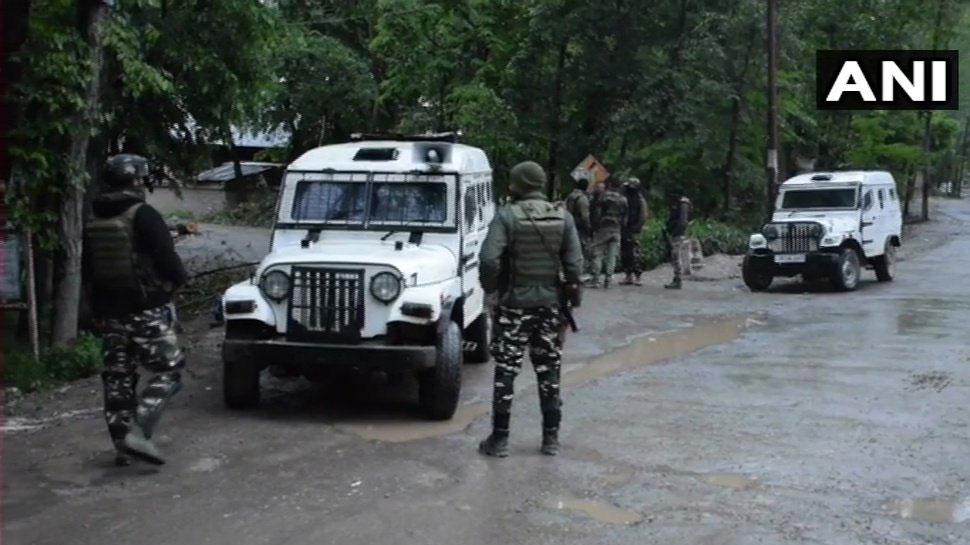 J&K: पुलवामा में हिजबुल कमांडर समेत 2 आतंकी ढेर, अनंतनाग में भी एनकाउंटर जारी