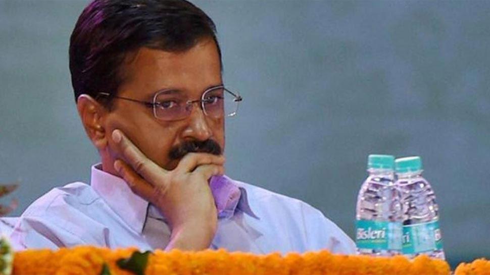 AAP पर भड़की कांग्रेस, पूछा 'हिन्दू-मुस्लिम की राजनीति कब से करने लगे केजरीवाल?'