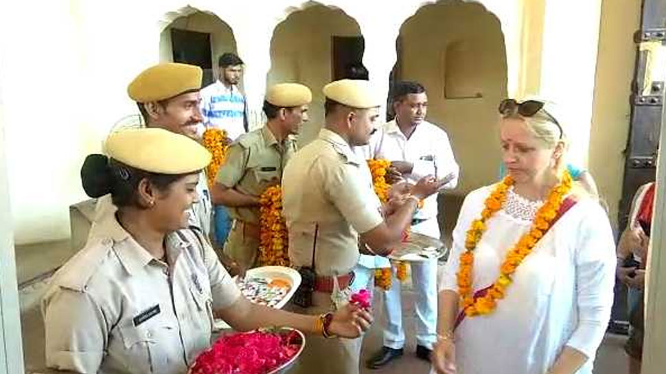 राजस्थान: विश्व संग्रहालय दिवस पर निशुल्क एंट्री, फूल-माला के साथ किया पर्यटकों का स्वागत