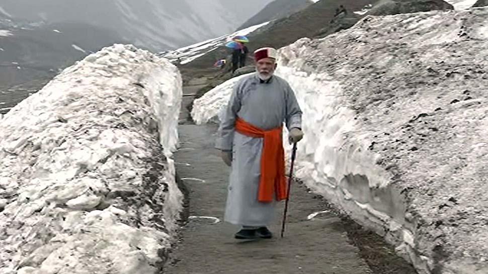 केदारनाथ में PM मोदी ने क्यों पहना ये 'खास लिबास', बंगाल और हिमाचल को दिया खास संदेश