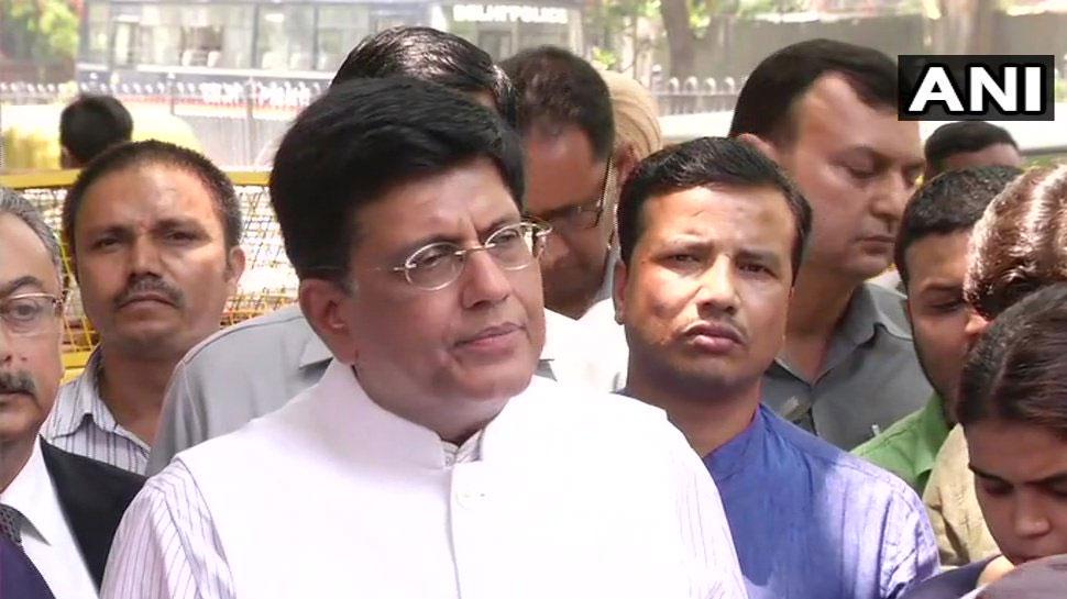 प.बंगाल में चुनावी हिंसा पर चुनाव आयुक्त से मिले BJP नेता, दोबारा चुनाव कराने की मांग की