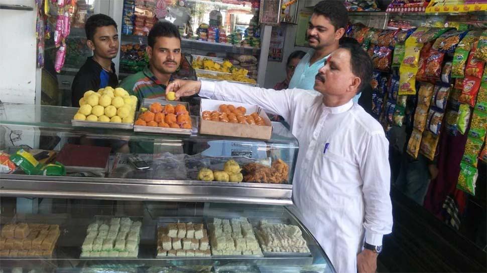 मुंबई में क्यों हो रही है मिठाइयों की कमी, गायब हो रहे है गेंदे के फूल, जानें क्या है मामला