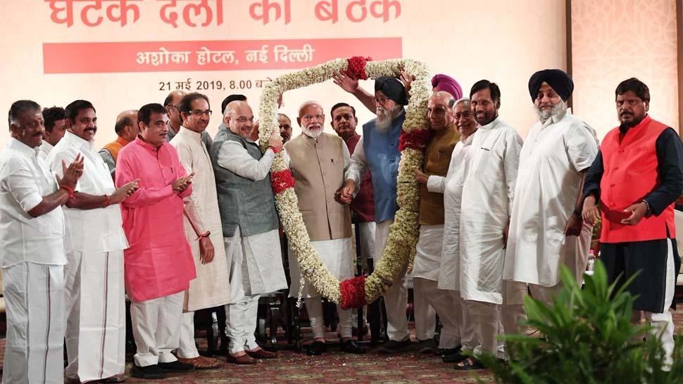 एनडीए की डिनर डिप्लोमेसी, 36 दलों के नेताओं ने प्रधानमंत्री मोदी पर जताया भरोसा