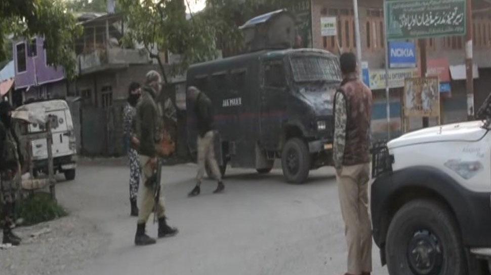 जम्मू-कश्मीर: कुलगाम में सुरक्षाबलों ने एनकाउंटर में मार गिराए 2 आतंकी