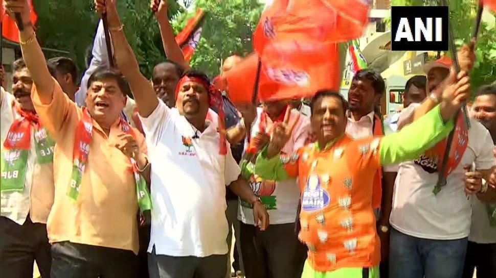 Karnataka Election Results: रुझानों में 23 सीटों पर BJP आगे, तुमकर में देवगौड़ा पीछे