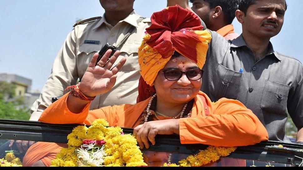 जीत के बाद BJP ऑफिस पहुंचीं साध्वी प्रज्ञा, बोलीं- मुझे राष्ट्र के लिए राजनीति में आना पड़ा
