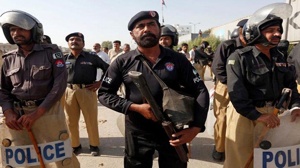 पाकिस्तान: जुमे की नमाज के दौरान बम विस्फोट, 2 की मौत, 25 घायल