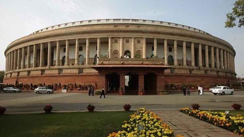 नए सांसदों के स्वागत के लिए संसद भवन में तैयारियां जोरों पर