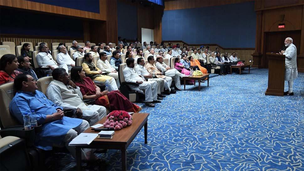 इस सरकार का सूर्यास्त हुआ, लेकिन इसकी लालिमा से लोगों की जिंदगी रोशन रहेगी: PM मोदी