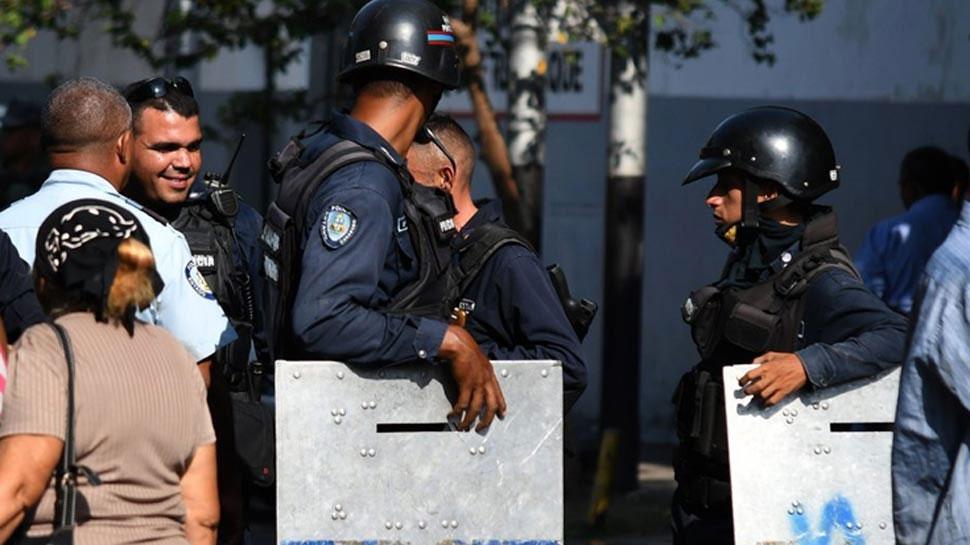 वेनेजुएल में जेल तोड़कर भागने से रोका तो हुई झड़प, 29 कैदियों की मौत