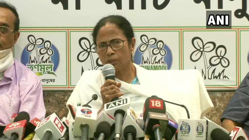 लोकसभा चुनाव में कमजोर प्रदर्शन के बाद ममता बनर्जी ने की CM पद से इस्तीफे की पेशकश