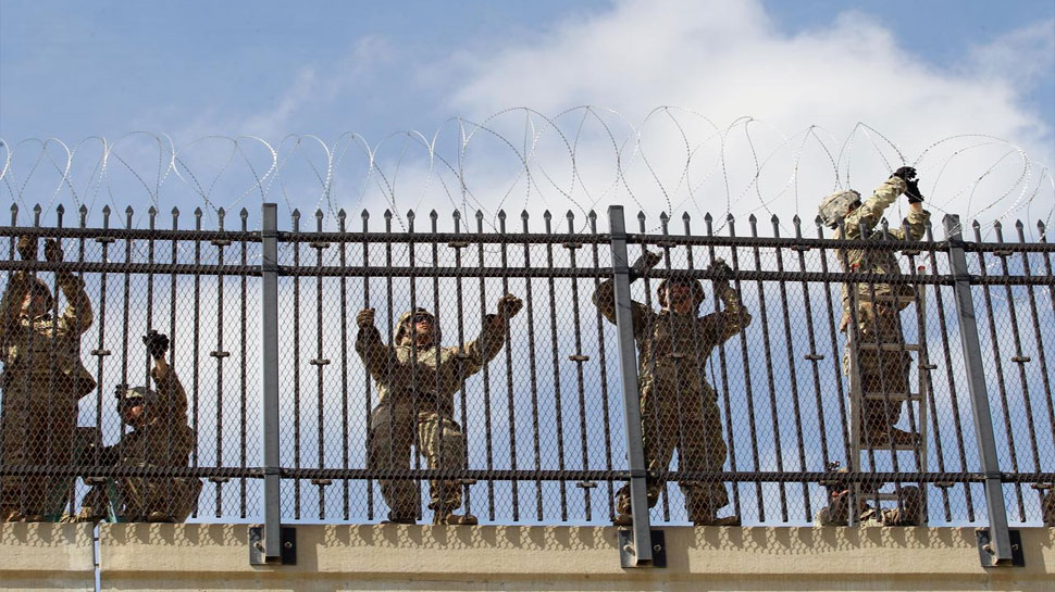 मेक्सिको सीमा पर दीवार बनाने की ट्रंप की थी योजना, अदालत ने लगाया अड़ंगा
