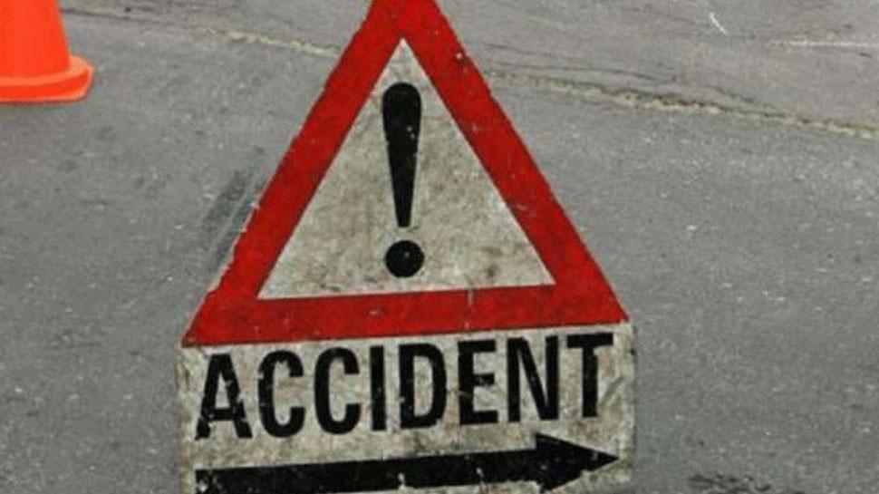 धार में पुलिया से नीचे गिरी अनियंत्रित कार, हादसे में 2 की मौत और तीन घायल