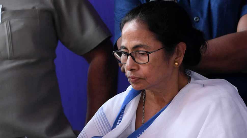 ममता बनर्जी के 3 विधायक समेत 29 पार्षद आज हो सकते हैं बीजेपी में शामिल